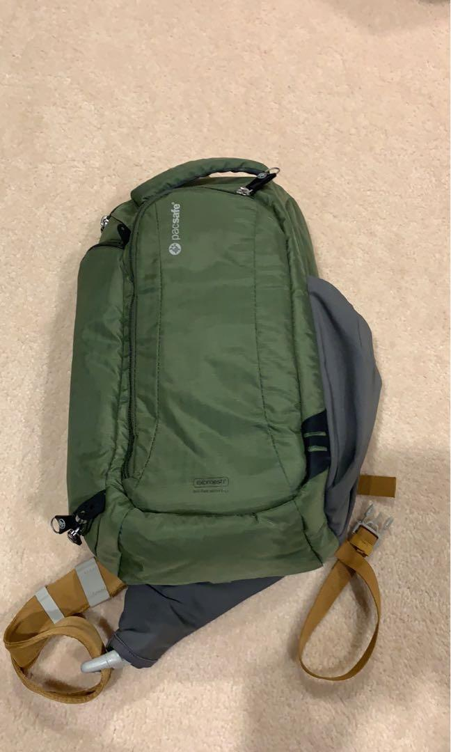 Pacsafe Camera travel sling bag