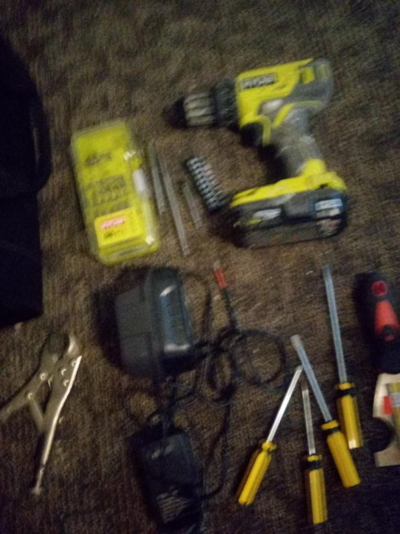 Ryobi drill and charger and battery and bag and extra s