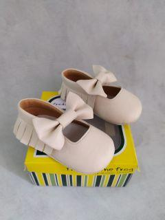 Sepatu baby girl prewalker Freddie The Frog Shoes size 4