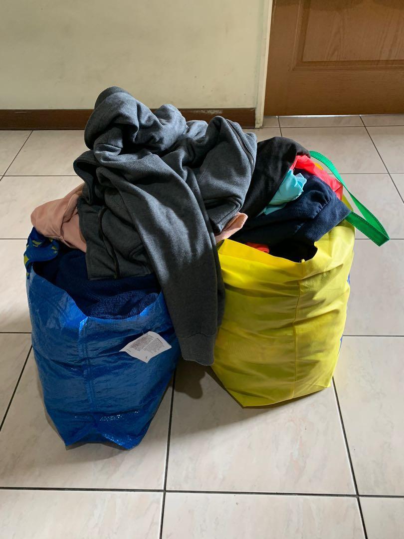 一堆免費二手衣