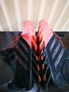 Adidas sepatu lari