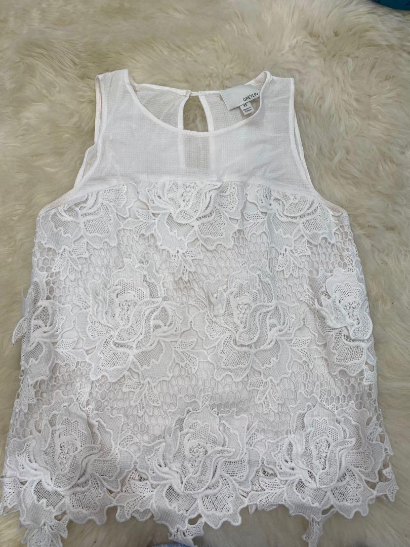 Anthropologie greylin white floral tank size xsmall