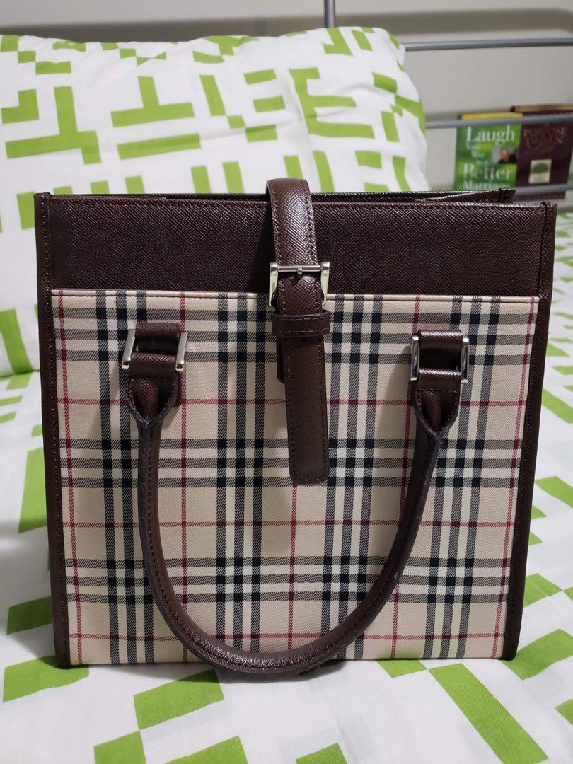 Burberry Hand bag with Authenticity certificate