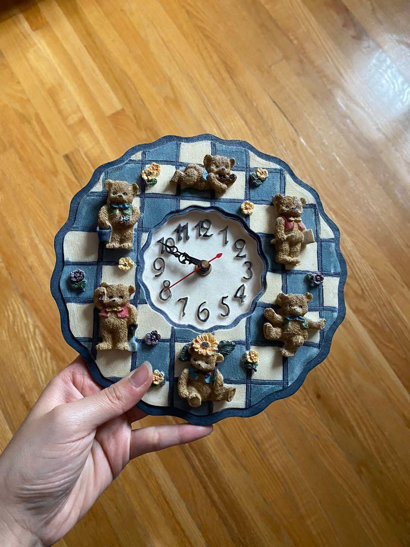 Resin teddy bear clock