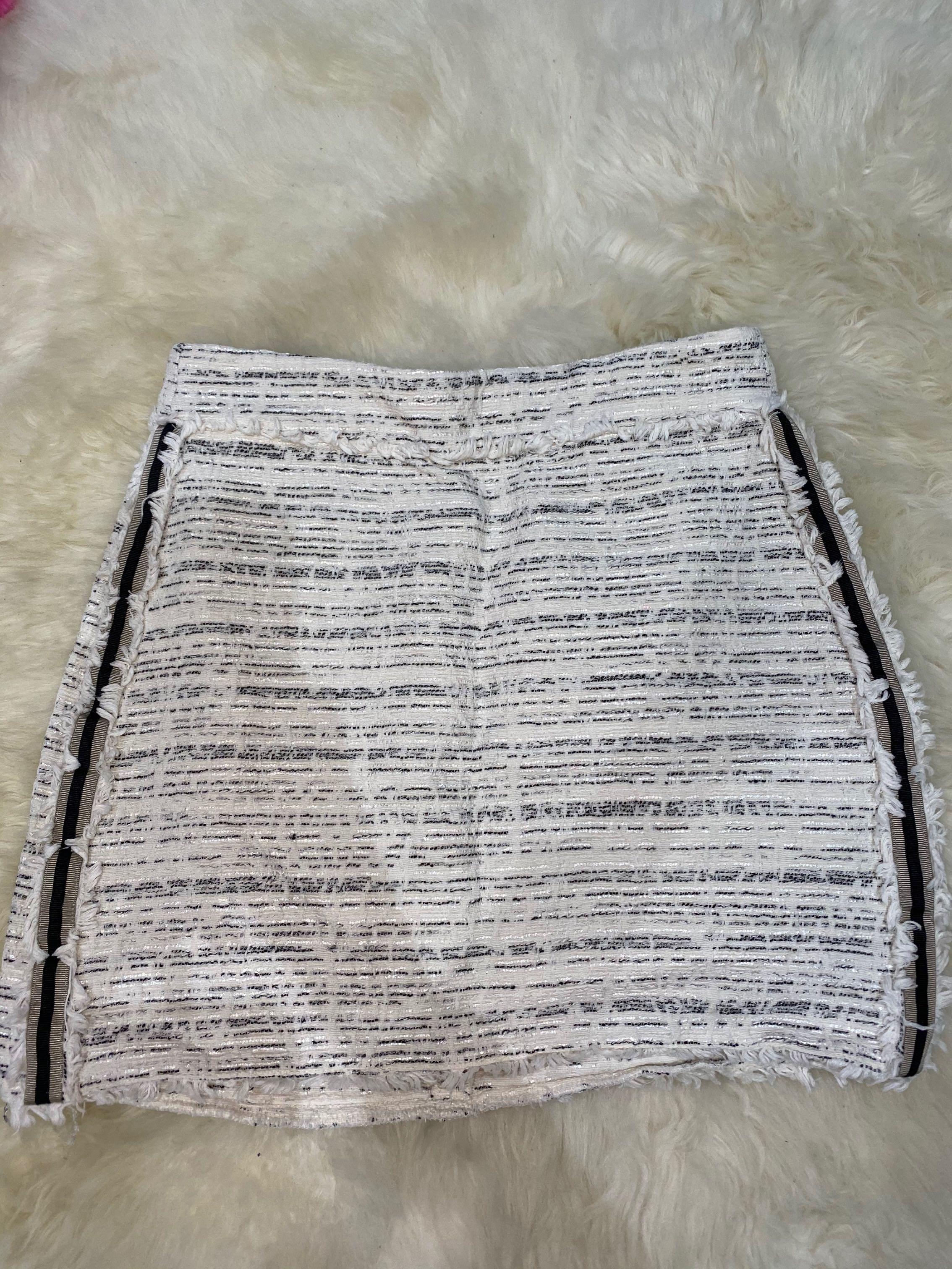 Zara Ecru tweed skirt size XSmall