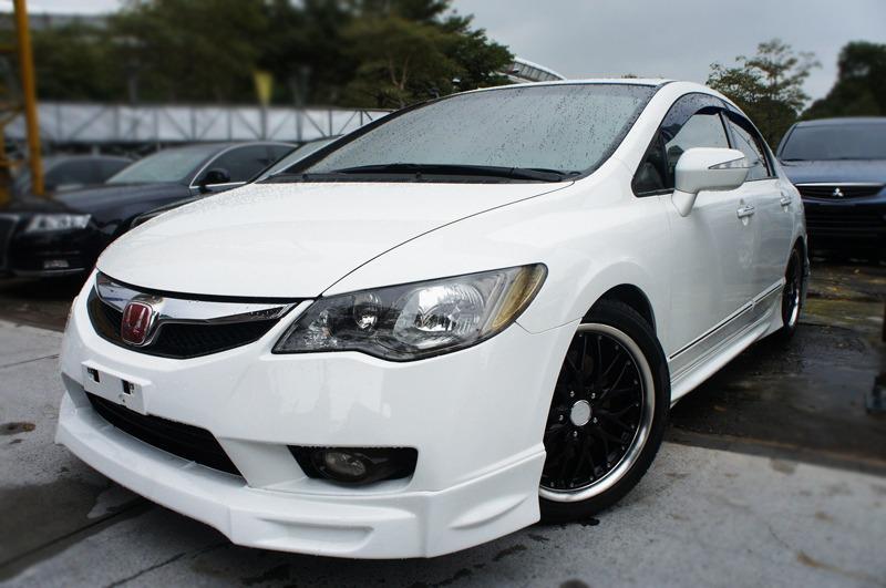 2010 Honda Civic 1.8 白  配合全額貸、找 錢超額貸 FB搜尋 : 『阿文の圓夢車坊』