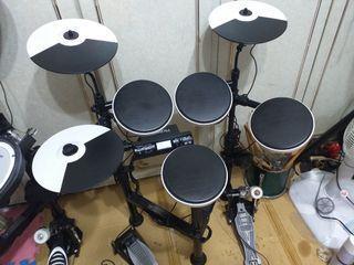 已售出。SOLD.SOLD羅蘭 TD-4KP 電子鼓 ROLAND 非TD-9K TD-1KPX 2 E-A7 PSR- E263 E400 WPA-1 PM-10 喇叭 E SRUM