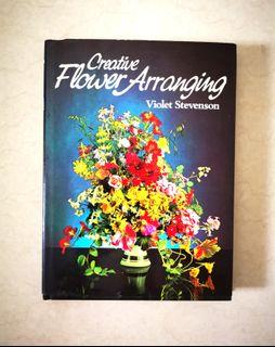 Flower arrangements book