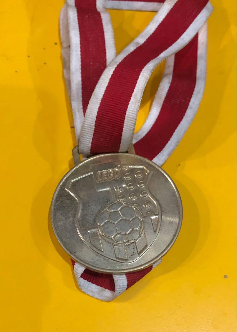 Lego medalion
