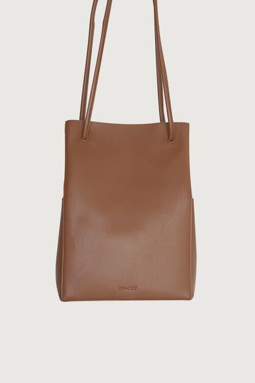 Oak and Fort Bucket Bag