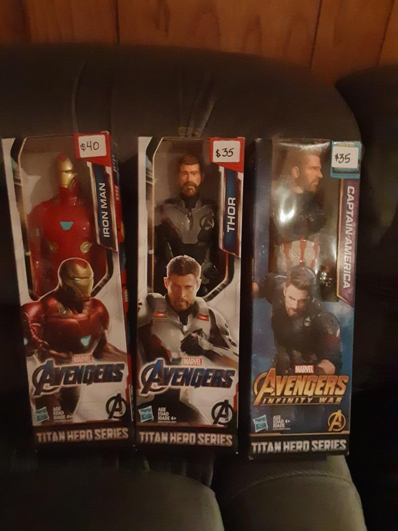 Collectors Marvel and DC Heroes and Villans