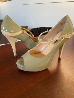 Jay Manuel mint and nude heels size 8