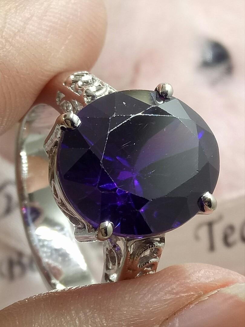 大克拉紫水晶K金戒指