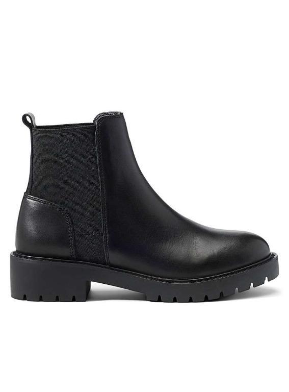 Steve Madden Gliding Boots - Black Leather Size 6.5 - fits like 6