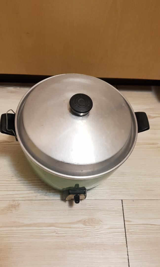 綠色大同電鍋原價2480,煮燉蒸烤皆可,10人份,直徑28公分7成新左右見圖唯此一個唷