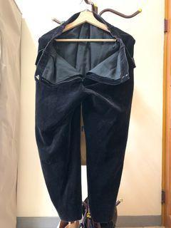 黑色絨布褲