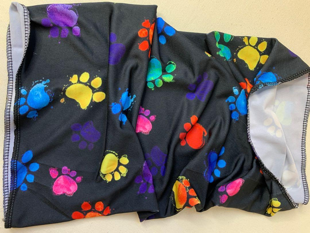 Face covering paw print gator