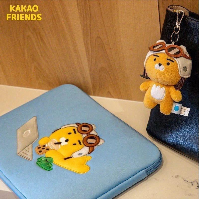 Kakao Friends-Ryan摩托車娃娃吊飾(圖片右上那隻)