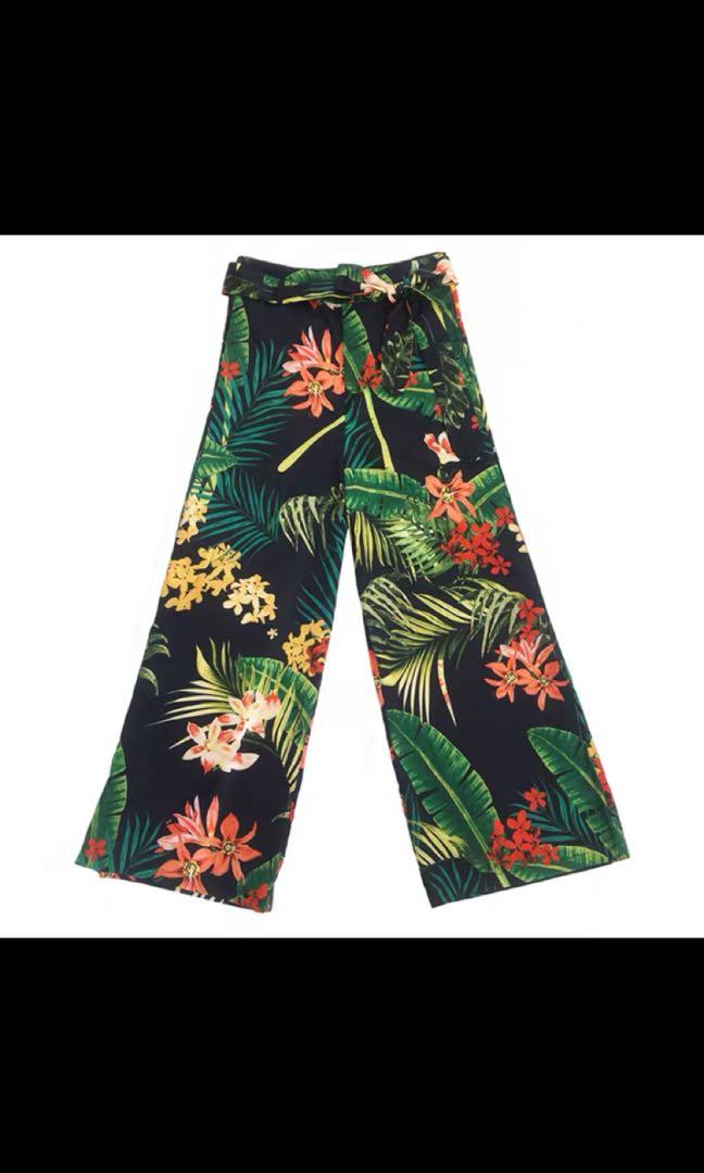 Like new Floral pants