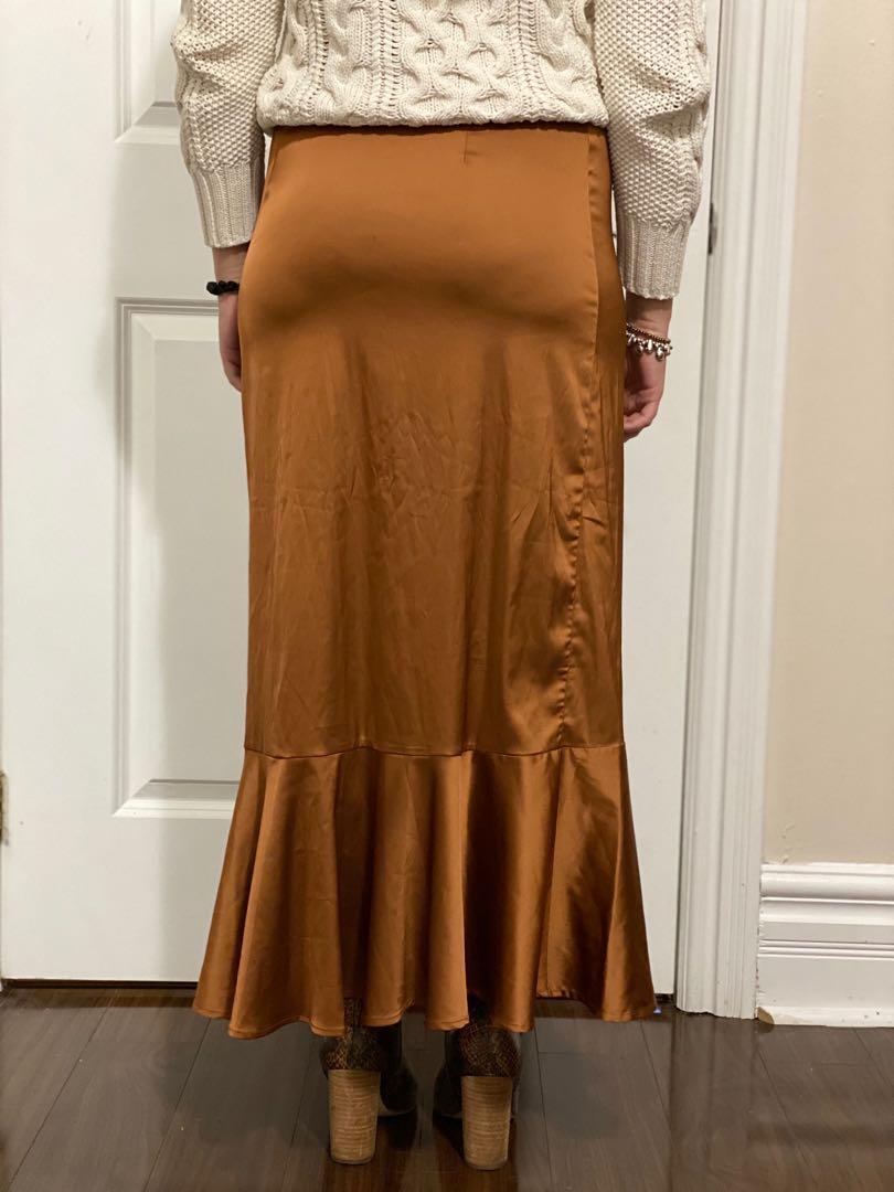 New silk skirt