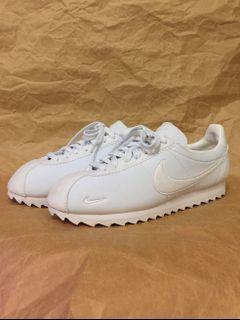 Nike 全新特殊款阿甘鞋 9.5號/全新未穿/非adidas vans rebook puma niko and fossil