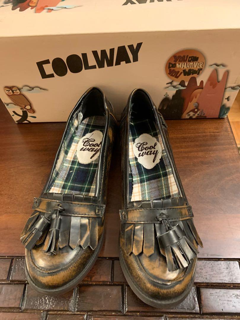 BNWB Vintage loafers size 6