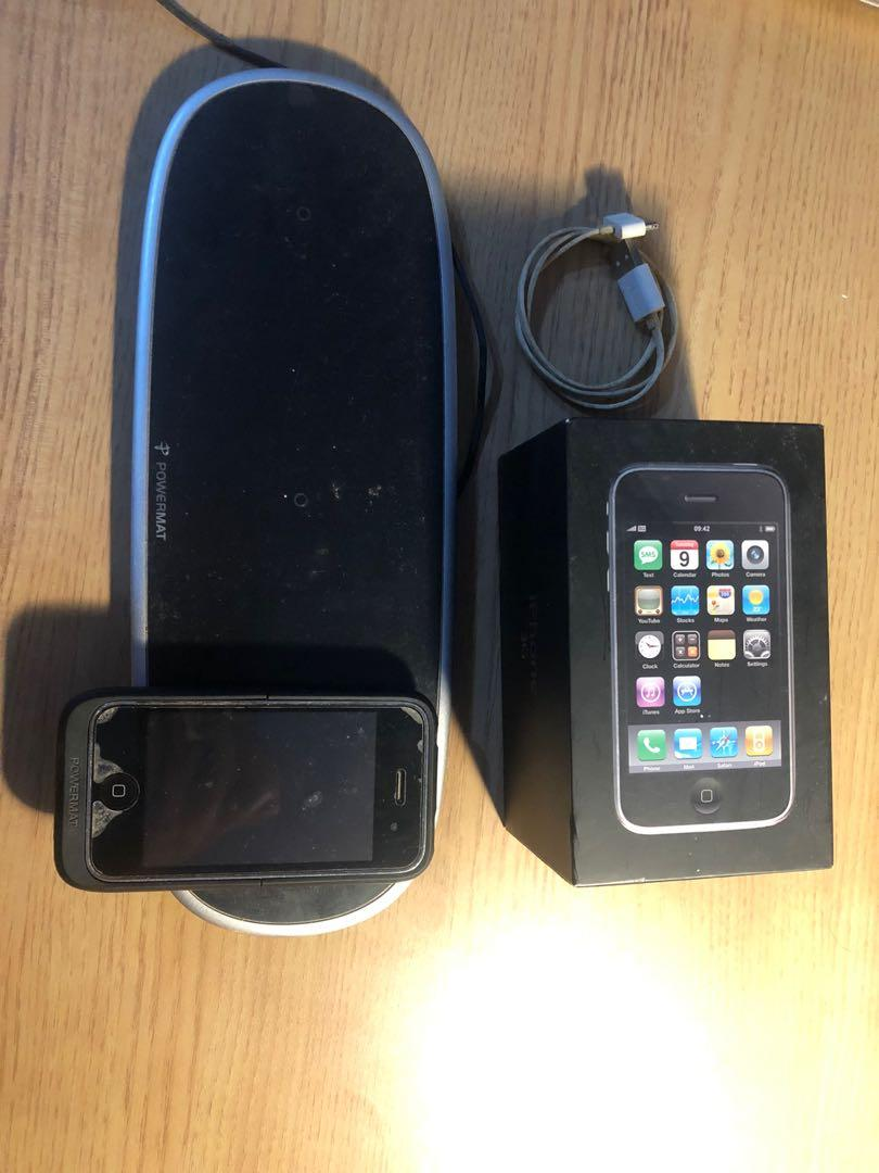 Iphone 3Gs 8Gb (Batre Rusak) + Case with wireless charger (Kondisi Normal)