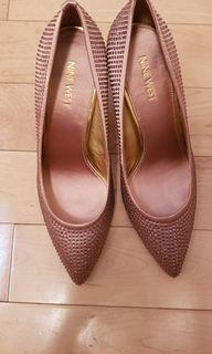 Nine west light pink  sequence  size 8