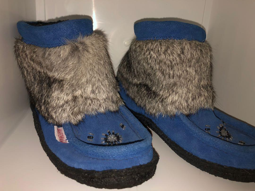 Softmoc mukluks real fur size 6