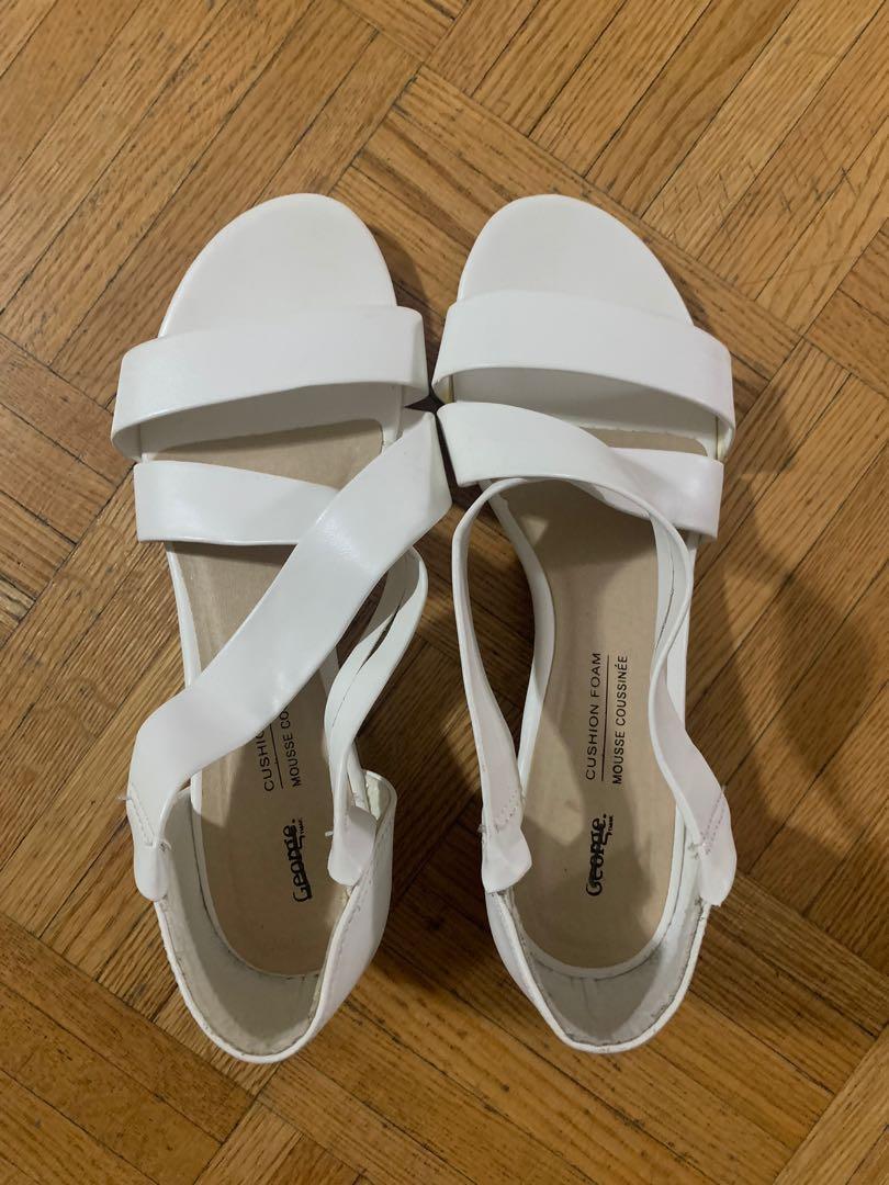 Women's white summer sandals size 6
