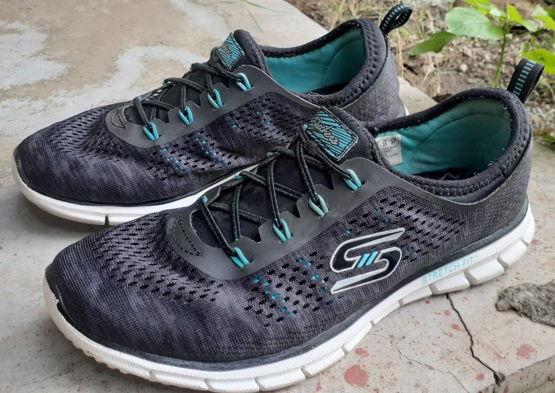 reunirse Dar permiso colina  Skechers | Stretch-Fit | Air-cooled Memory Foam | ORIGINAL ☆ SIZE 8 US,  Women's Fashion, Shoes, Sneakers on Carousell