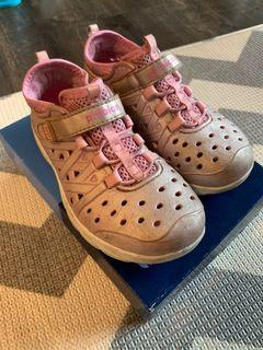 Stride Rite Phibian Rose Gold shoes