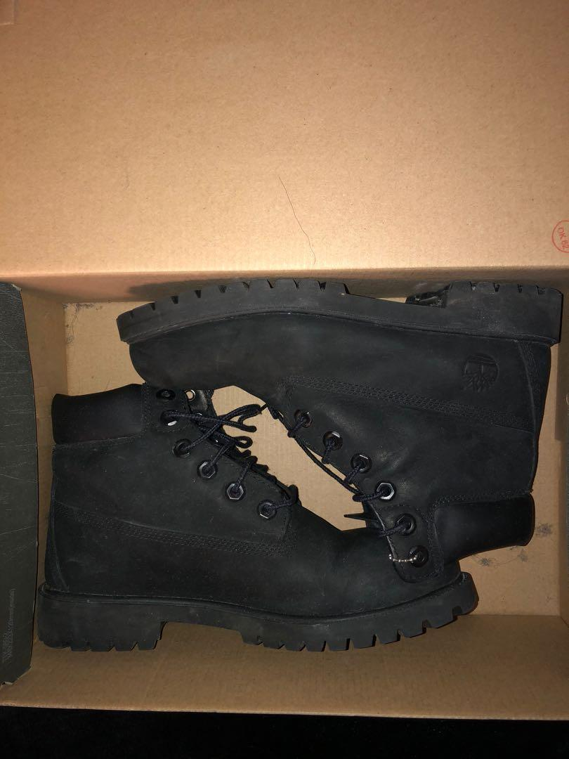 Black timberlands youth size 6