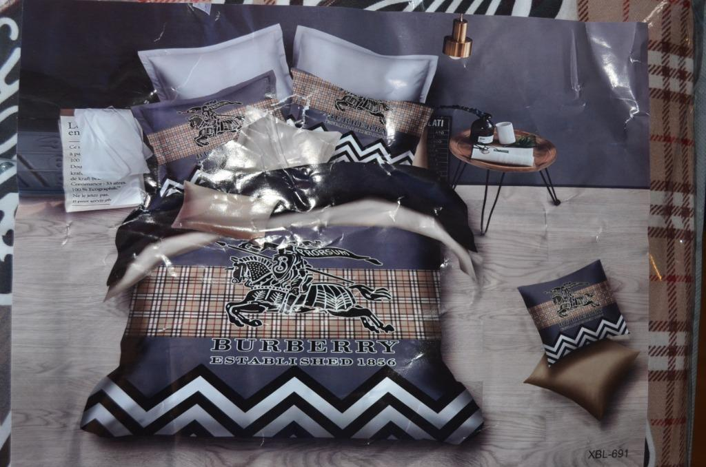 Burberry 4 Piece Bed Sheets Set
