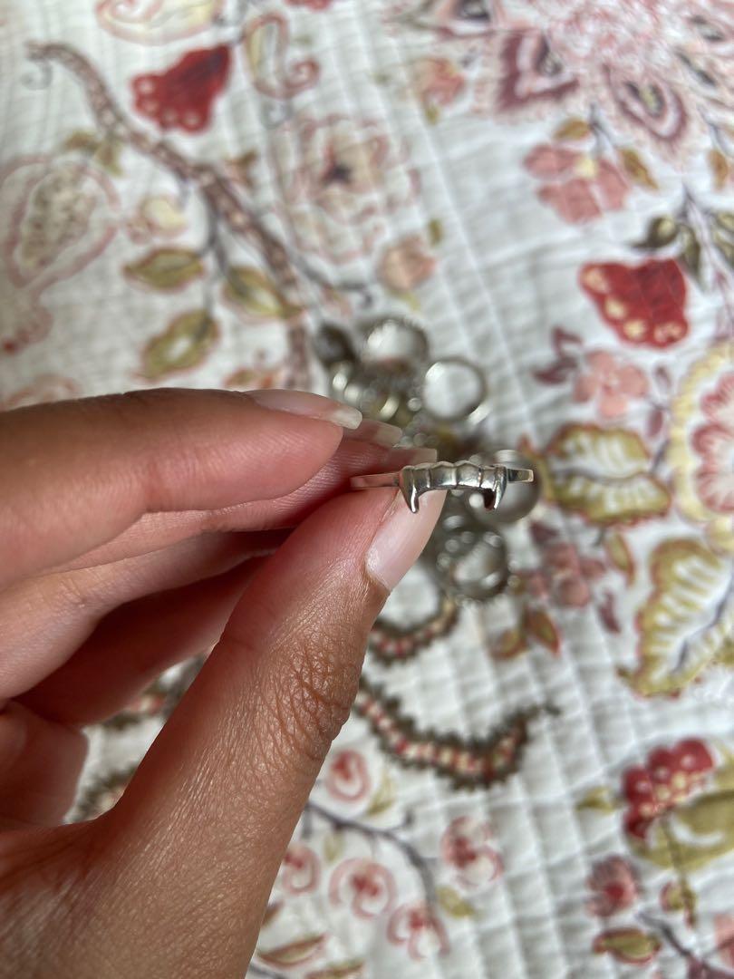 Meadowlark Fang Ring
