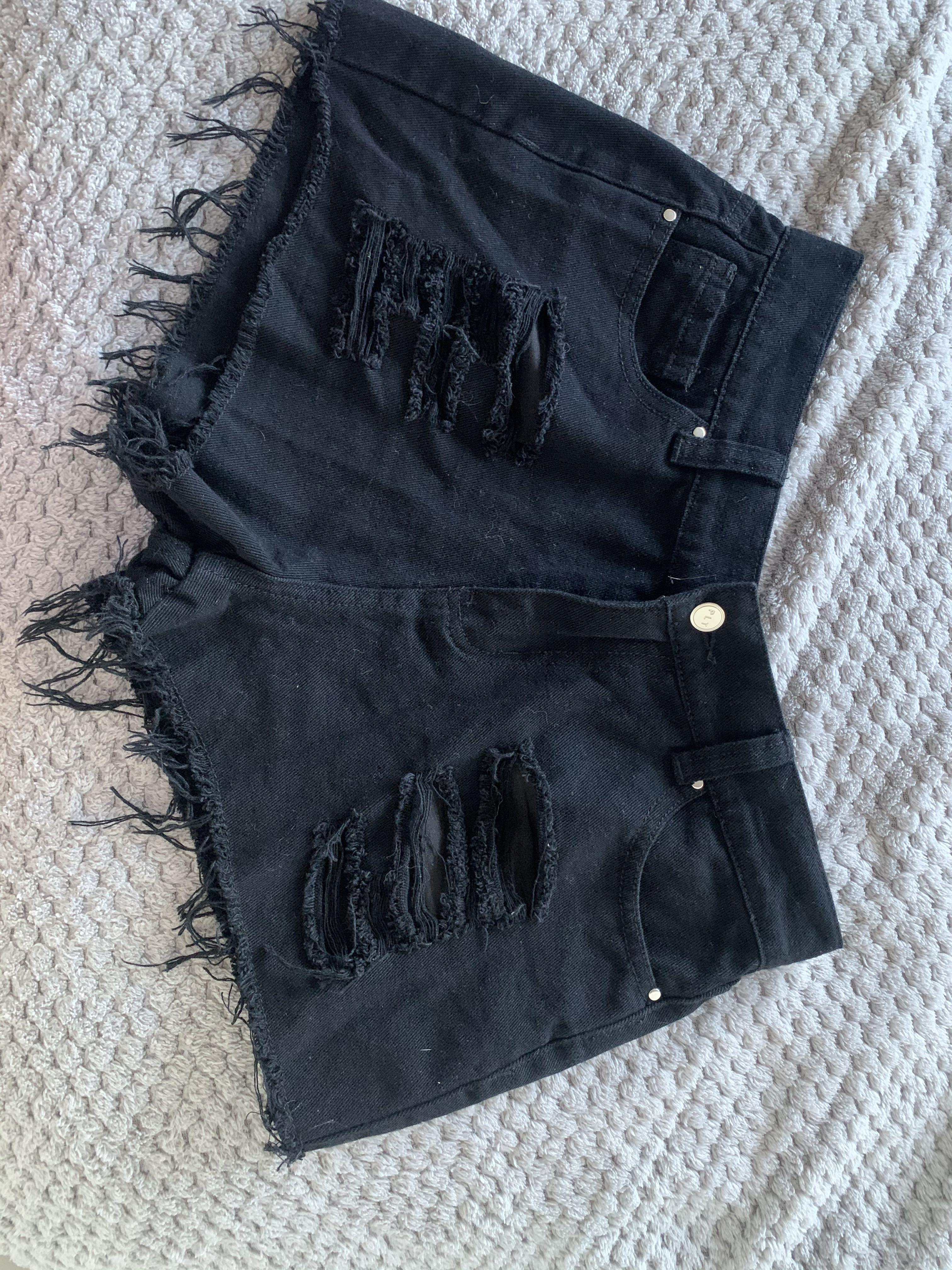 Pretty little thing - black denim shorts