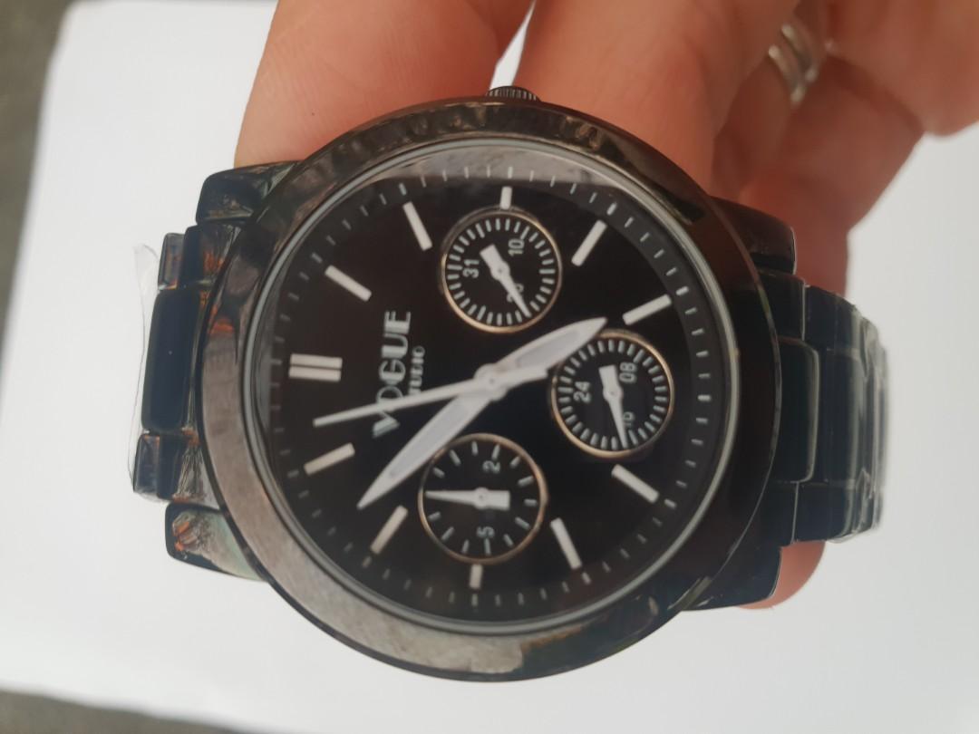 vogue手錶原價6000多,簡約時尚精緻,時間精準,唯此一個