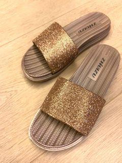 金色休閒華麗風拖鞋