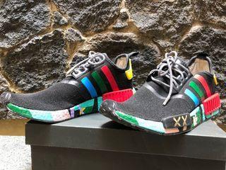 Adidas NMD R1 x KAWS