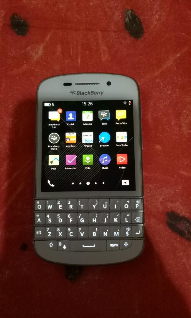 Blackberry Q10 putih