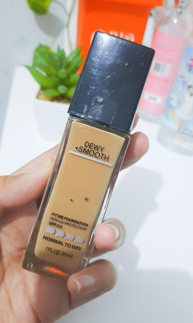 Maybelline Fit Me Foundation Dewy Smooth SHADE 220