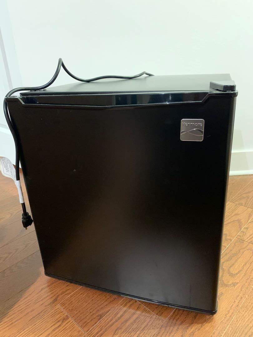 Kenmore Mini Refrigerator 47L (1.7 cu. ft. )