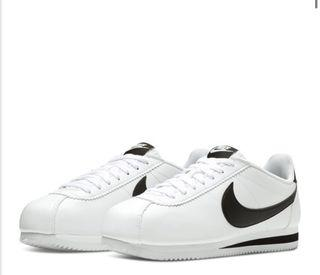 Nike Classic Cortez Leather Sneakers (size 11)