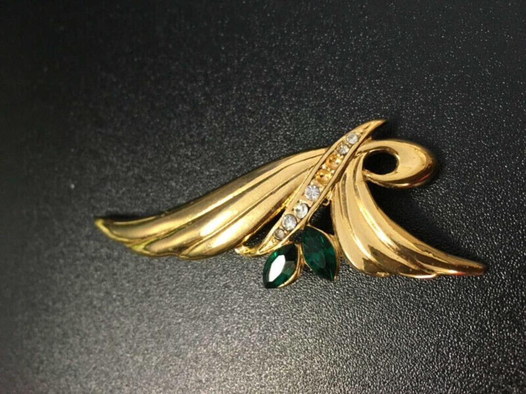 Quality gold-plated brooches