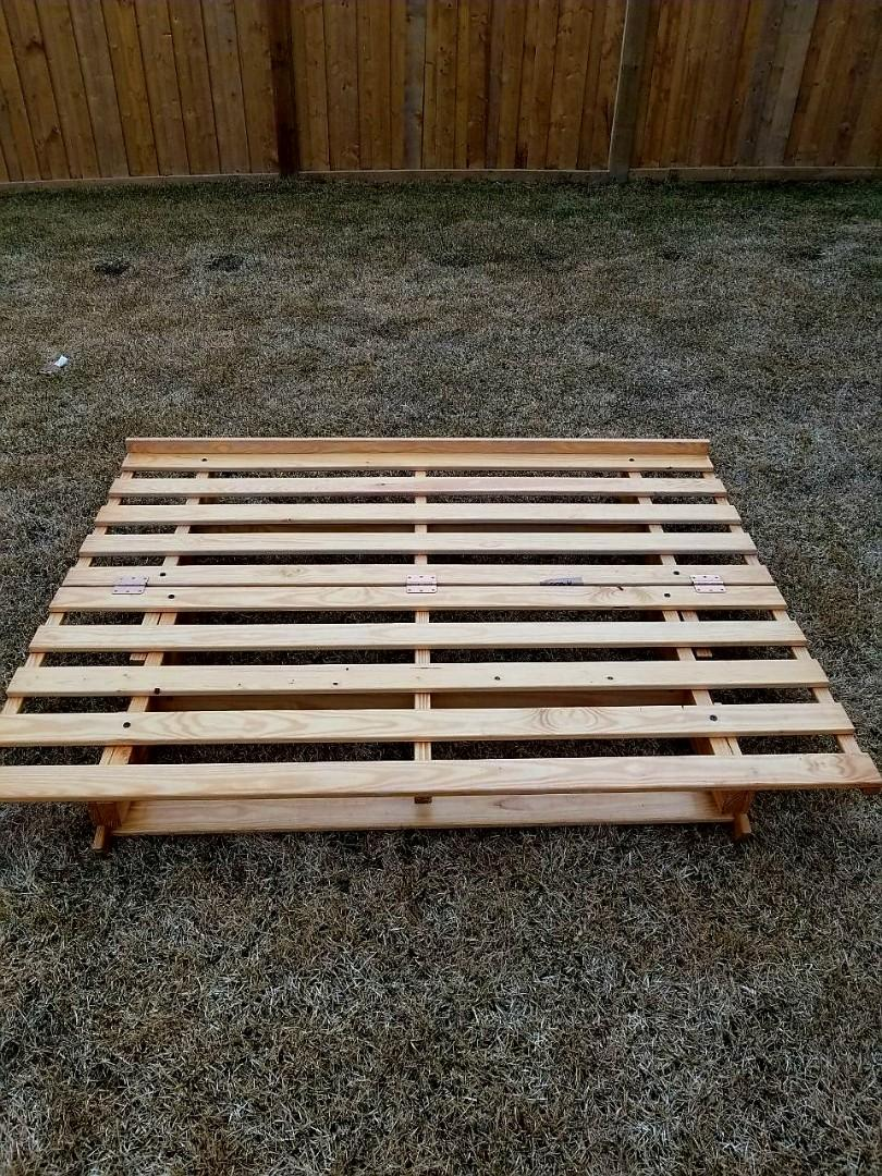 Sturdy Wooden Low Level Futon Frame (Double Size)