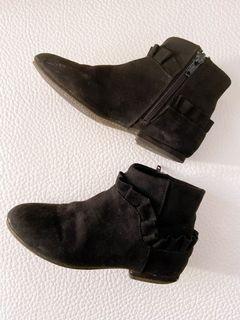二手zara嬰幼女童30碼(內長19cm)短絨荷葉邊及踝靴uniqlo.h&m.gap
