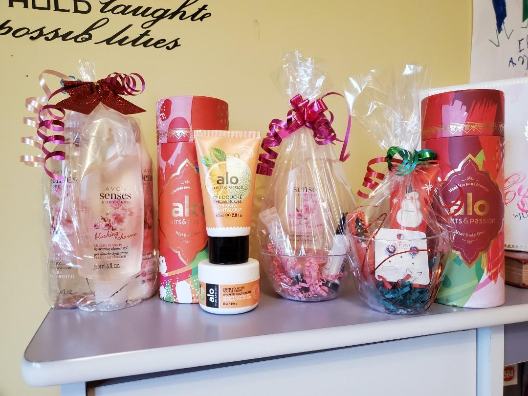 $10 Holiday Gift baskets