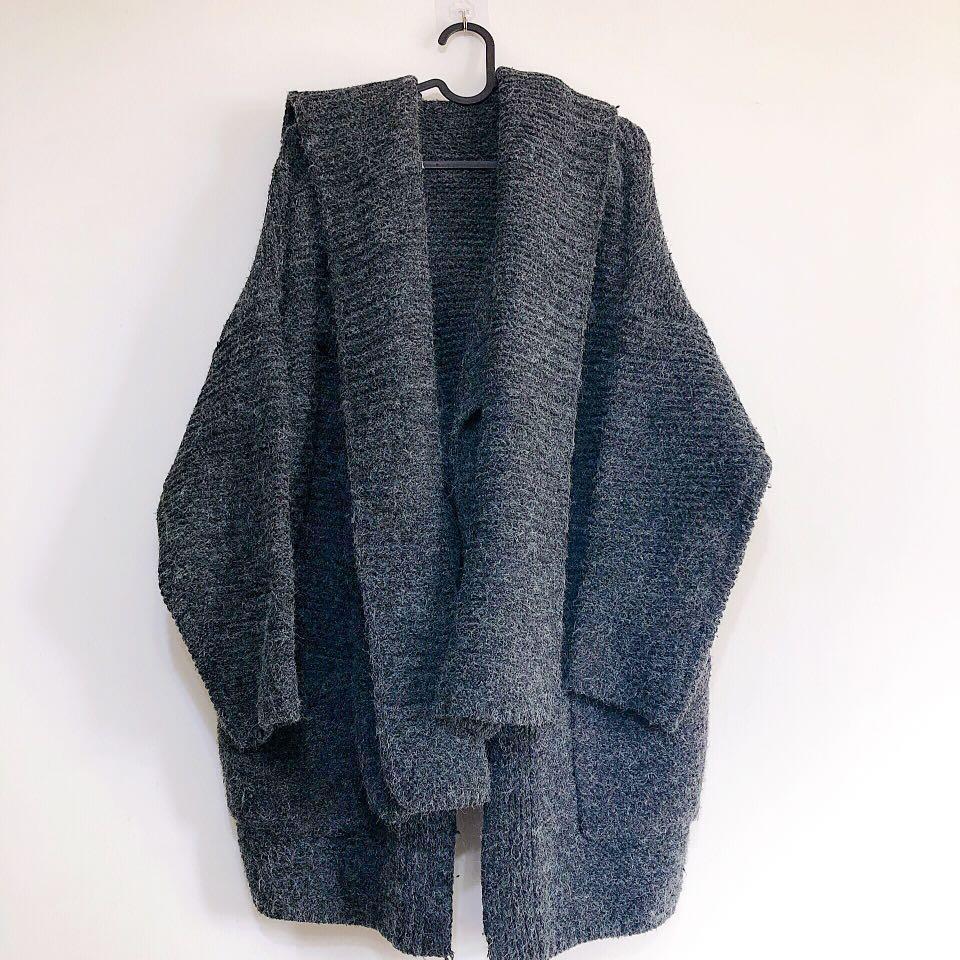 鐵灰色混羊毛罩衫大衣+圍脖