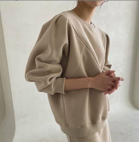正韓上衣  201118A01 立體解構鋪棉上衣