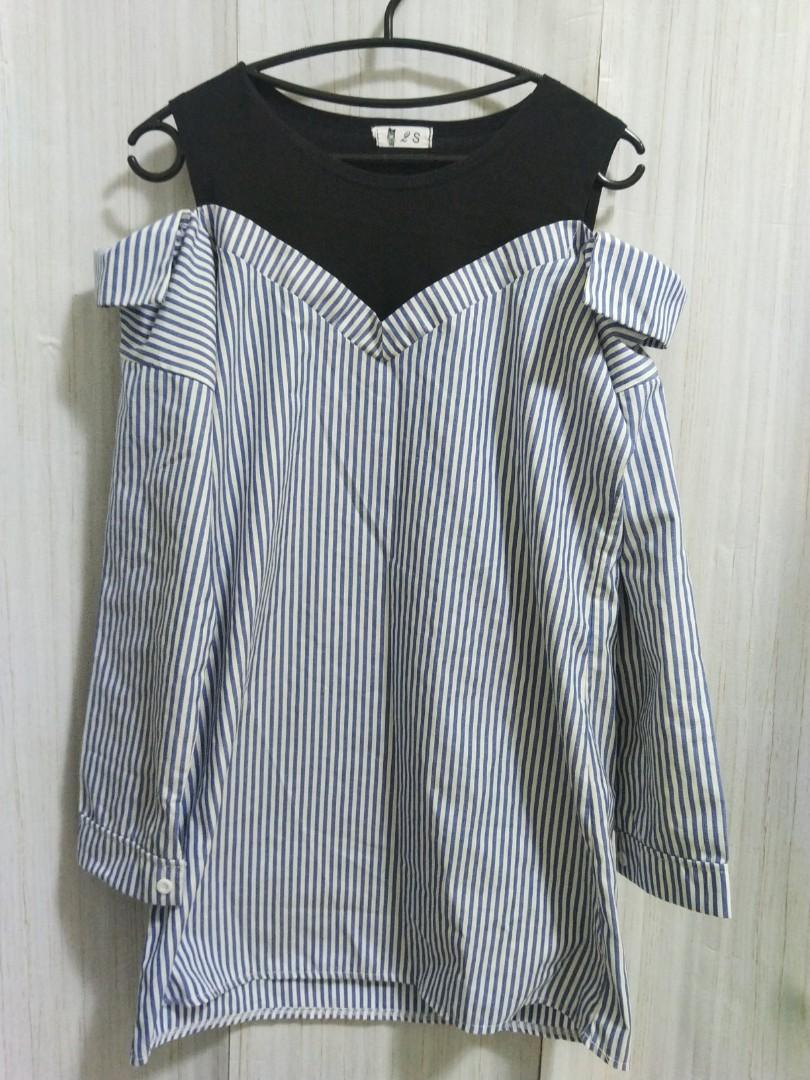 🎁購物贈(不限金額)🎁近新 藍色條紋 露肩 長版上衣